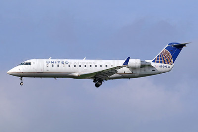 United Express-SkyWest Airlines Bombardier CRJ200 (CL-600-2B19) N929SW (msn 7703) LAX (Michael B. Ing). Image: 941707.