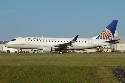 United Express-SkyWest Airlines Embraer ERJ 170-200LR (ERJ 175) N204SY (msn 17000626) PAE (Nick Dean). Image: 947331.