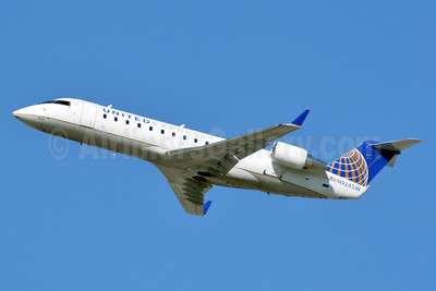 United Express-SkyWest Airlines Bombardier CRJ200 (CL-600-2B19) N924SW (msn 7681) LAX (Jay Selman). Image: 403318.