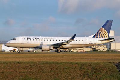 United Express-SkyWest Airlines Embraer ERJ 170-200LR (ERJ 175) N153SY (msn 17000553) PAE (Nick Dean). Image: 948242.