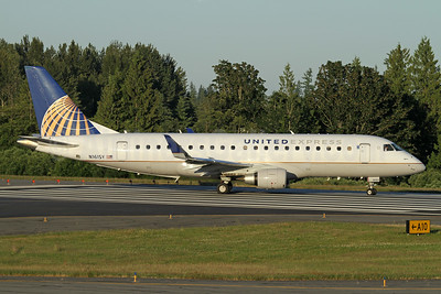 United Express-SkyWest Airlines Embraer ERJ 170-200LR (ERJ 175) N161SY (msn 17000569) PAE (Nick Dean). Image: 947329.