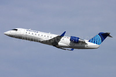 United Express-SkyWest Airlines Bombardier CRJ200 (CL-600-2B19) N223JS (msn 7892) LAX (Michael B. Ing). Image: 949320.