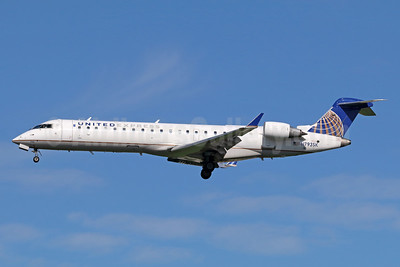 United Express-SkyWest Airlines Bombardier CRJ700 (CL-600-2C10) N793SK (msn 10295) LAX (Michael B. Ing). Image: 941712.