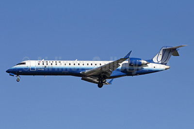 United Express-SkyWest Airlines Bombardier CRJ700 (CL-600-2C10) N782SK (msn 10278) LAX (Michael B. Ing). Image: 910529.