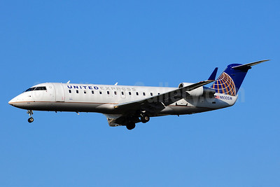 United Express-SkyWest Airlines Bombardier CRJ200 (CL-600-2B19) N930SW (msn 7713) LAX (Ton Jochems). Image: 911076.