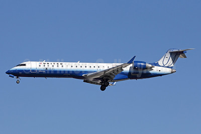United Express-SkyWest Airlines Bombardier CRJ700 (CL-600-2C10) N756SK (msn 10221) LAX (Michael B. Ing). Image: 910528.
