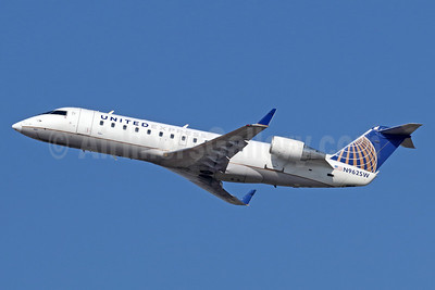 United Express-SkyWest Airlines Bombardier CRJ200 (CL-600-2B19) N962SW (msn 7687) LAX (Michael B. Ing). Image: 936125.