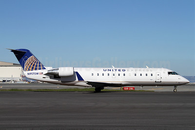 United Express-SkyWest Airlines Bombardier CRJ200 (CL-600-2B19) N917SW (msn 7641) SFO (Mark Durbin). Image: 906070.