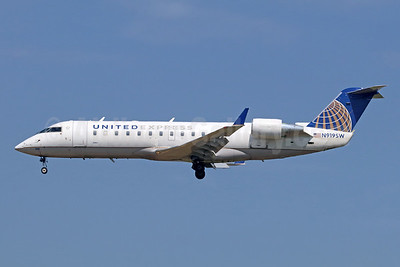 United Express-SkyWest Airlines Bombardier CRJ200 (CL-600-2B19) N919SW (msn 7657) ONT (Michael B. Ing). Image: 943211.