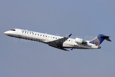 United Express-SkyWest Airlines Bombardier CRJ700 (CL-600-2C10) N795SK (msn 10299) LAX (Michael B. Ing). Image: 950062.