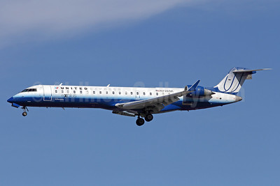 United Express-SkyWest Airlines Bombardier CRJ700 (CL-600-2C10) N726SK (msn 10190) LAX (Michael B. Ing). Image: 910525.