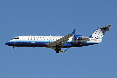 United Express-SkyWest Airlines Bombardier CRJ200 (CL-600-2B19) N905SW (msn 7437) LAX (Michael B. Ing). Image: 908276.