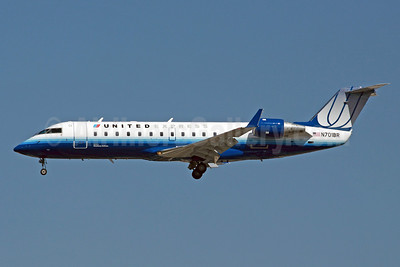 United Express-SkyWest Airlines Bombardier CRJ200 (CL-600-2B19) N701BR (msn 7448) LAX (Michael B. Ing). Image: 904806.