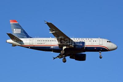 US Airways Airbus A319-112 N716UW (msn 1055) CLT (Jay Selman). Image: 403903.