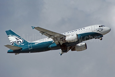 US Airways Airbus A319-112 N709UW (msn 997) (Philadelphia Eagles) MIA (Bruce Drum). Image: 100256.
