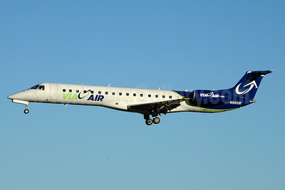 Via Air (Via Airlines) Embraer ERJ 145LR (EMB-145LR) N841HK (msn 145382) CLT (Jay Selman). Image: 403273.