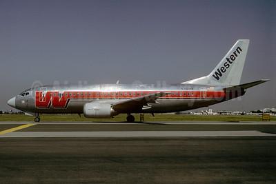 Western Airlines Boeing 737-347 N302WA (msn 23182) SJC (Thomas Livesey). Image: 907877.