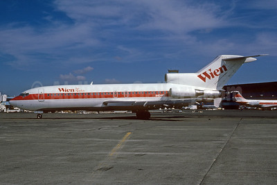 Wien Air Alaska Boeing 727-22 N40487 (msn 18849) (Continental red stripe) SEA (Bruce Drum). Image: 102510.