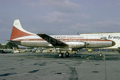 Zantop International Airlines Convair 640 (F) N73137 (msn 88) (Hawaiian Airlines colors) ATL (Bruce Drum). Image: 103474.