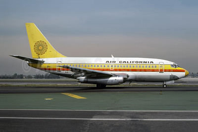 Air California Boeing 737-159 N471GB (msn 19680) LAX (Bruce Drum Collection). Image: 946679.