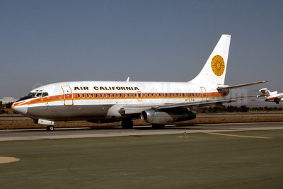 Air California Boeing 737-222 N73714 (msn 19072) (Aloha colors) LAX (Ron Monroe). Image: 944185.