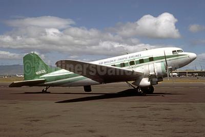 Air Molokai-Tropic Airlines Douglas C-53-DO (DC3) N162E (msn 4926) HNL (John Wegg - Bruce Drum Collection). Image: 951448.
