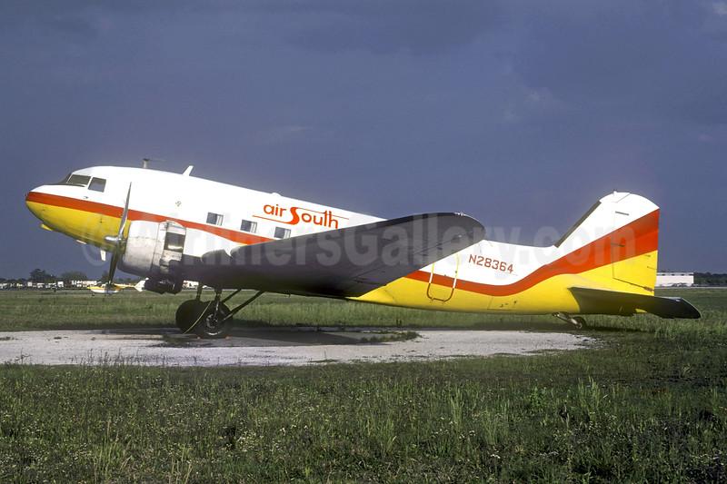 Air South (1st) Douglas DC-3A N28364 (msn 4108) (Florida Air Lines colors) SRQ (Bruce Drum). Image: 104610.