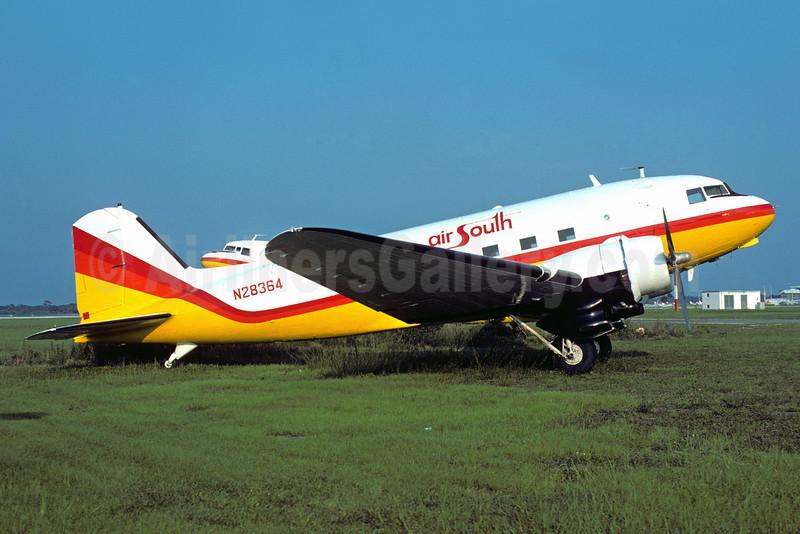 Air South (1st) Douglas DC-3A N28364 (msn 4108) (Florida Air Lines colors) SRQ (Bruce Drum). Image: 103325.