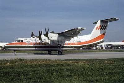 Air Wisconsin de Havilland Canada DHC-7-102 Dash 7 N706ZW (msn 49) ORD (Bruce Drum). Image: 103603.