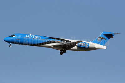 AirTran Airways Boeing 717-2BD N949AT (msn 55003) (Orlando Magic) ATL (Norbert G. Raith). Image: 904439.