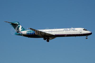 AirTran Airways Boeing 717-2BD N948AT (msn 55011) MIA (Bruce Drum). Image: 100358.