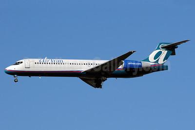 AirTran Airways Boeing 717-2BD N895AT (msn 55047) ATL (Bruce Drum). Image: 101207.