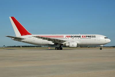Airborne Express Boeing 767-281 ER (F) N707AX (msn 22570) MCO (Ton Jochems). Image: 954116.