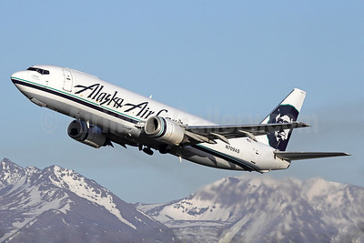 Boeing 737-400 freighter, to be replaced with a 737-700 freighter