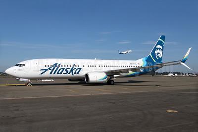 Alaska Airlines Boeing 737-8FH SSWL N549AS (msn 30824) SEA (Brandon Farris). Image: 933087.