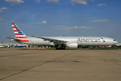 American Airlines Boeing 777-323 ER N721AN (msn 31546) LHR. Image: 933031.