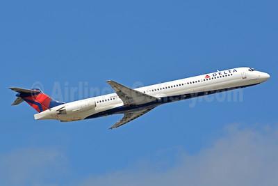 Delta Air Lines McDonnell Douglas MD-88 N916DL (msn 49591) FLL (Jay Selman). Image: 403084.
