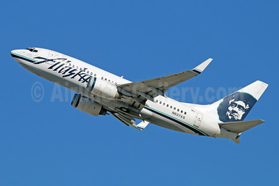 Alaska Airlines Boeing 737-790 WL N627AS (msn 30794) LAX (Michael B. Ing). Image: 946010.