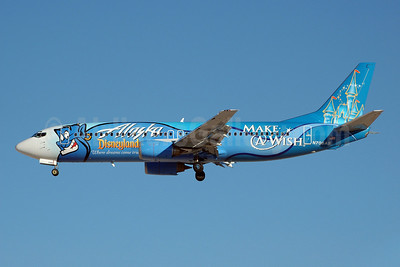 Alaska Airlines Boeing 737-490 N706AS (msn 28894) (Disneyland - Make-A-Wish) LAS (Bruce Drum). Image: 100001.