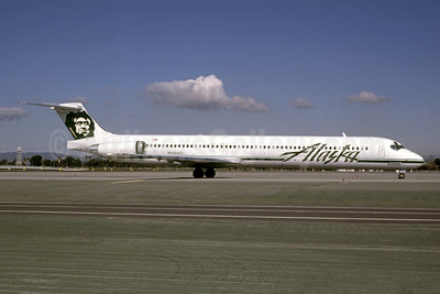 Alaska Airlines McDonnell Douglas DC-9-83 (MD-83) N958AS (msn 53024) LAX (Bruce Drum). Image: 105184.