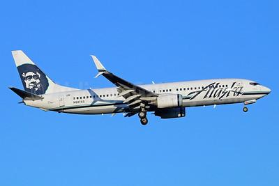 Alaska Airlines Boeing 737-890 SSWL N527AS (msn 35694) SEA (Michael B. Ing). Image: 936674.
