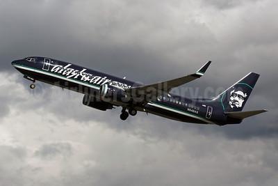 Alaskaair.com (Alaska Airlines) Boeing 737-890 WL N548AS (msn 30020) (reverse livery) ANC (Michael B. Ing). Image: 903233.
