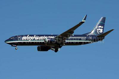Alaskaair.com (Alaska Airlines) Boeing 737-890 WL N548AS (msn 30020) (reverse livery) SEA (Bruce Drum). Image: 101008.