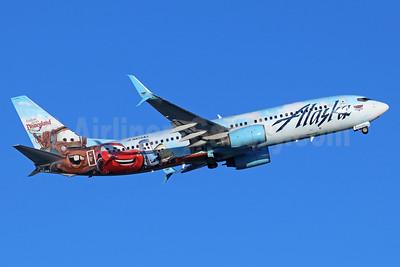 Alaska Airlines Boeing 737-890 SSWL N570AS (msn 35185) (Follow us to Disneyland Resort - Disney Cars) SNA (Michael B. Ing). Image: 938987.