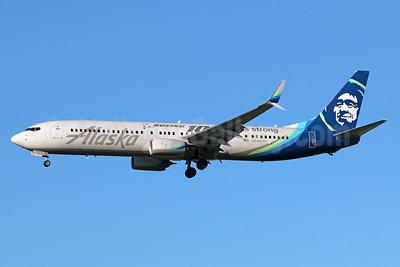 Alaska Airlines Boeing 737-990 ER SSWL N248AK (msn 62469) (Boeing 100 years strong) LAX (Michael B. Ing). Image: 937290.