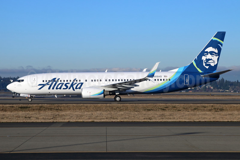 Alaska Airlines Boeing 737-890 SSWL N525AS (msn 35692) SEA (Michael McDonough). Image: 937284.