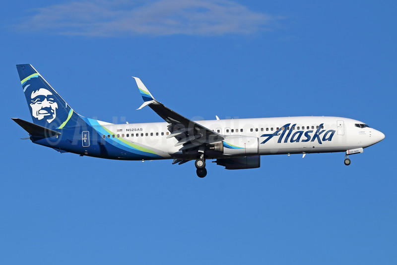 Alaska Airlines Boeing 737-890 SSWL N525AS (msn 35692) SEA (Michael B. Ing). Image: 934908.