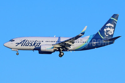Alaska Airlines Boeing 737-790 WL N615AS (msn 30344) SEA (Michael B. Ing). Image: 937045.