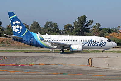 Alaska Airlines Boeing 737-790 WL N613AS (msn 30163) LGB (Michael B. Ing). Image: 938860.