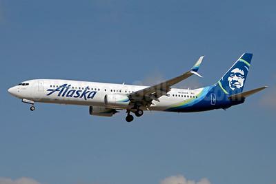 Alaska Airlines Boeing 737-990 ER SSWL N238AK (msn 62681) LAS (Jay Selman). Image: 403261.